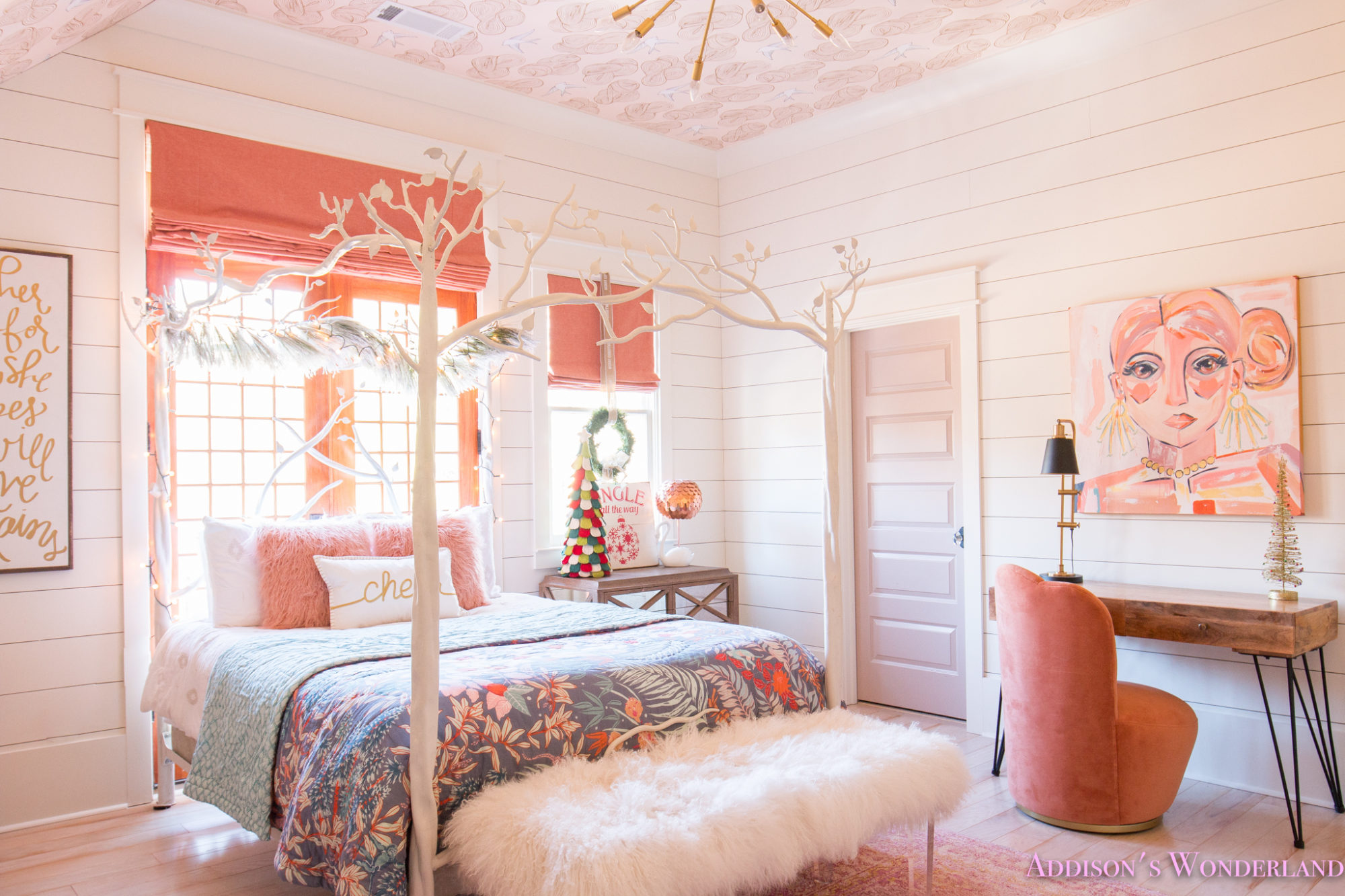 Best A Little Christmas Decor In Addison S Coral Girl S Bedroom This Month