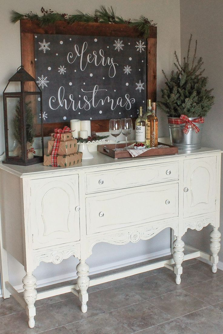 Best 25 Best Ideas About Christmas Dining Rooms On Pinterest This Month