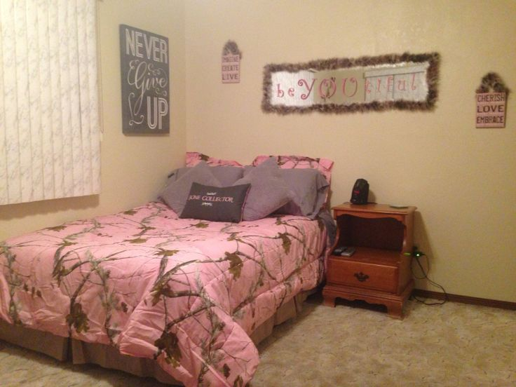 Best Realtree Pink Camo Girls Bedroom W Boa Feathers Girlie This Month
