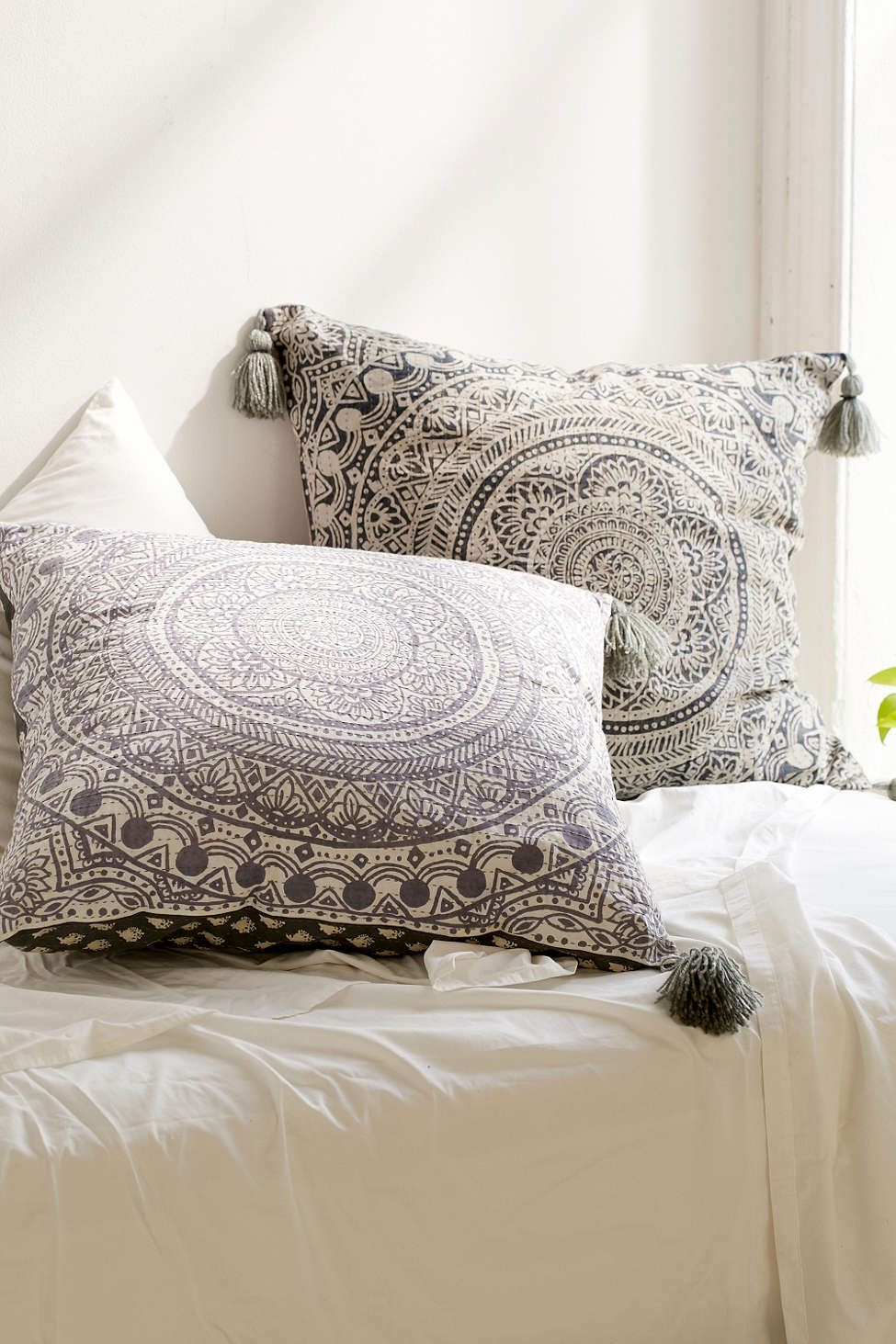 Best 25 Large Throw Pillows Ideas On Pinterest Throw This Month