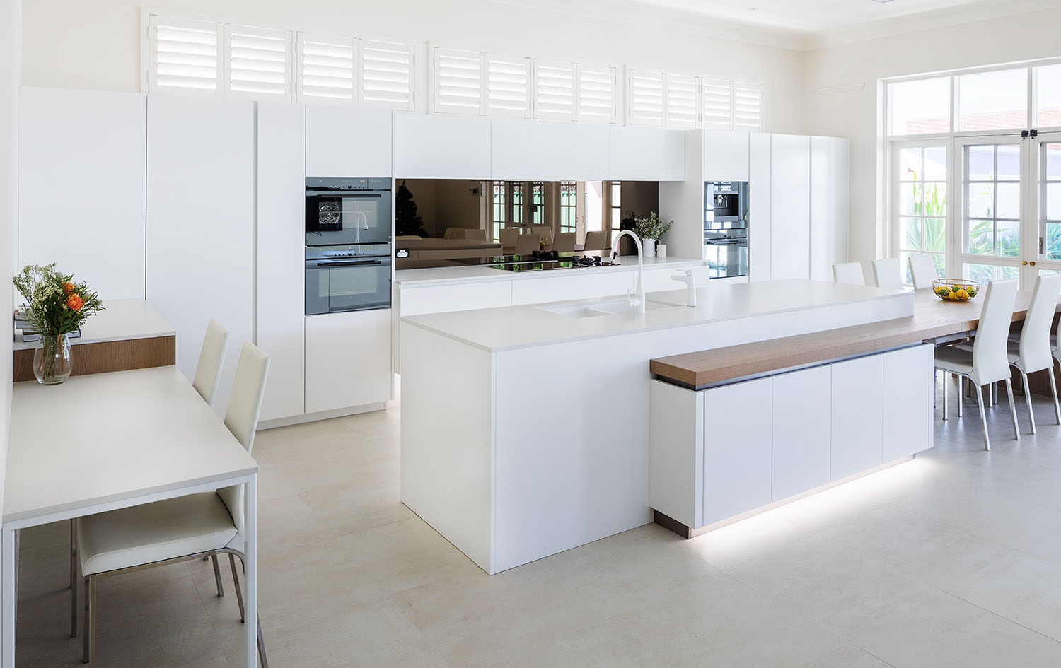 Best Where Modern And Traditional Meet An Elegant Kitchen Design This Month