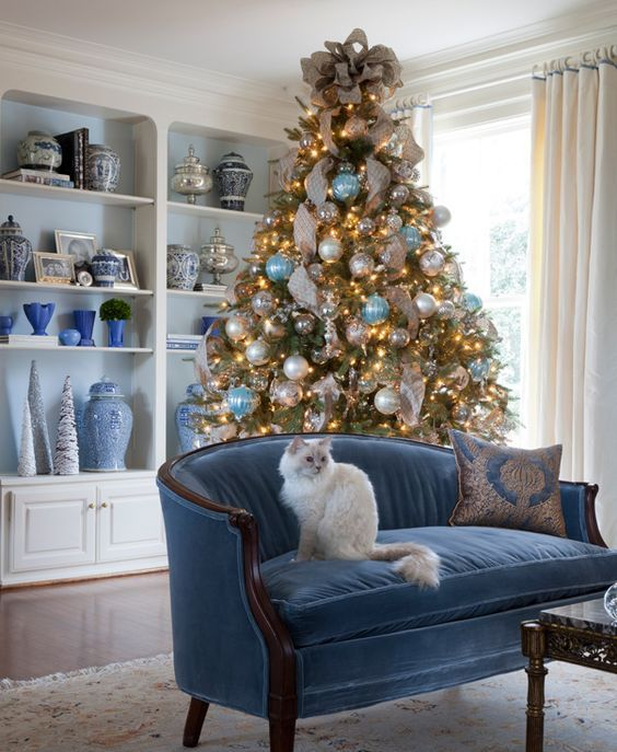 Best 35 Frosty Blue And White Christmas Décor Ideas Digsdigs This Month