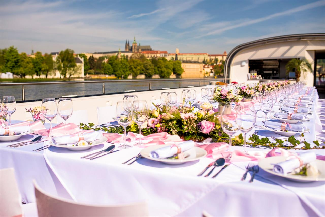 Best Weddings Prague Boats Cz This Month