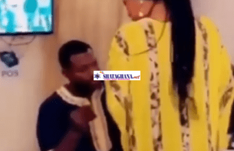 Photo of Proposal Gone Wrong As Man Forcefully Tries To Put Ring On His Girlfriend's Finger Despite Her Refusal -[VIDEO]