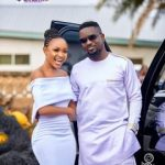 Akuapem Poloo Rolls with Sarkodie as Both Pose as Couples in Latest Pic