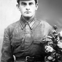 Абумуслим Дурдаев, младший брат Абуязида Абдулаева, погиб на войне в 1942г.
