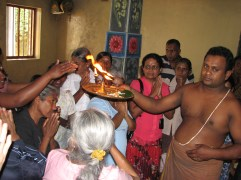 We made a stop-off at the local Hindu kovil. Embarassing thing was I was wearing the same thing as this guy.