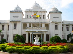 The Jaffna library was originally burned down in a 1981 riot destroying 97,000 Tamil manuscripts and books. The library was rebuilt a year later but sustained much damage during the war. Upon the end of the war, it was restored yet again.
