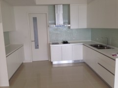 A good sized kitchen
