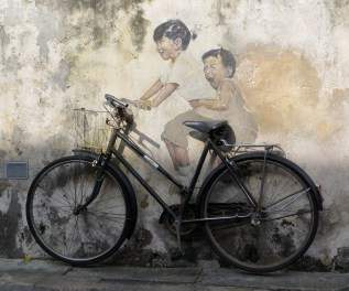 Wall murals are all the rage in George Town (the capital of Penang). This is the most famous one - you can get it in t-shirt, hat and/or underpants form.