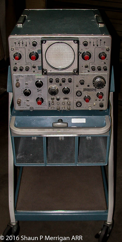 Tektronix 556 Oscilloscope