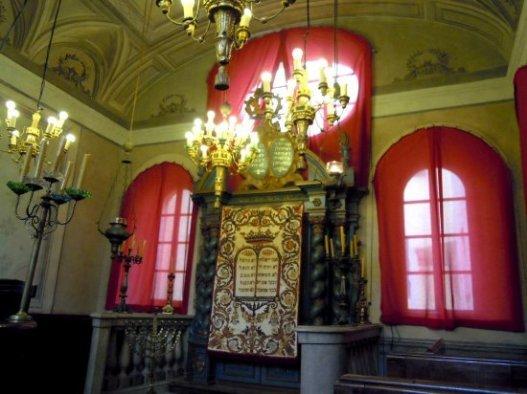la-sinagoga-ebraica-di(3)
