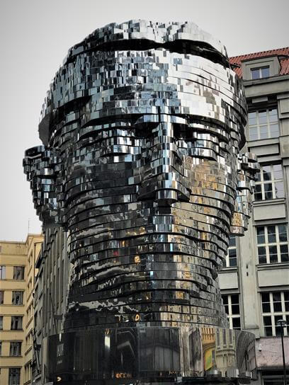 The rotating head of Franz Kafka, Prague