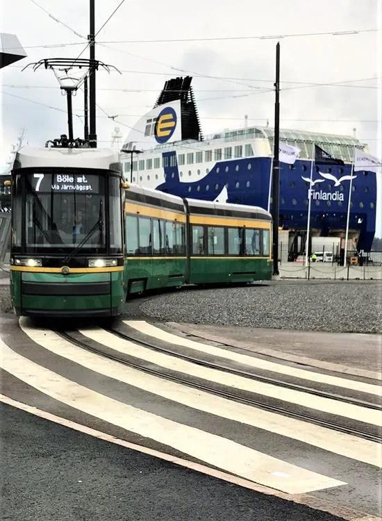 Helsinki seaside tram
