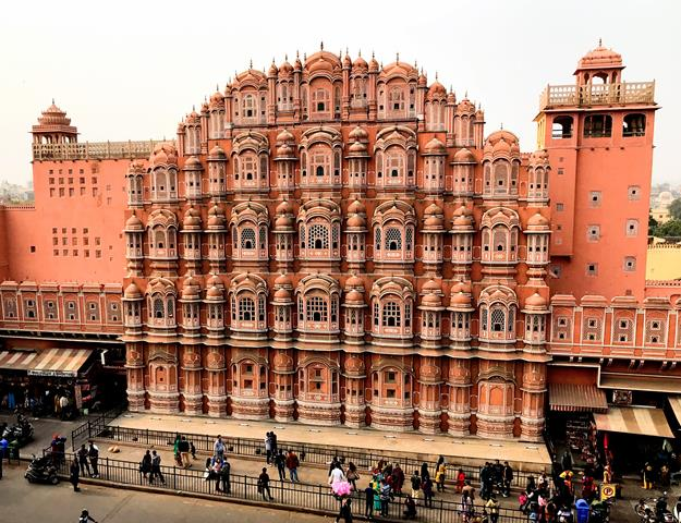 The astonishing building of Hawa Mahal (Wind Palace) in Jaipur city