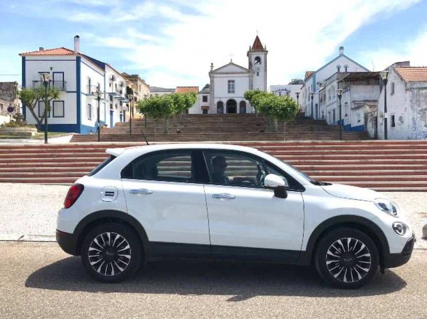Hiring a vehicle in Portugal