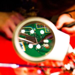 soldering_baobot
