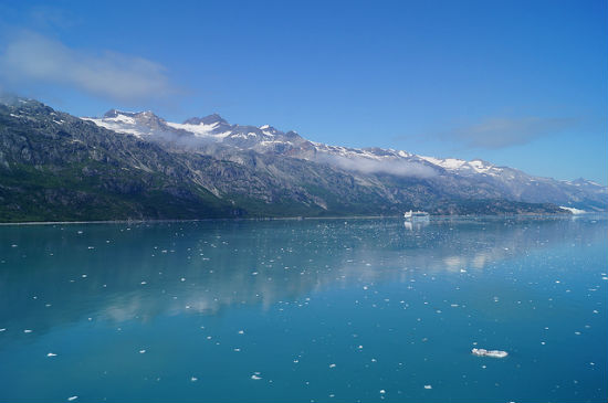 BPO 2013 Passing a cruise ship in Glacier Bay