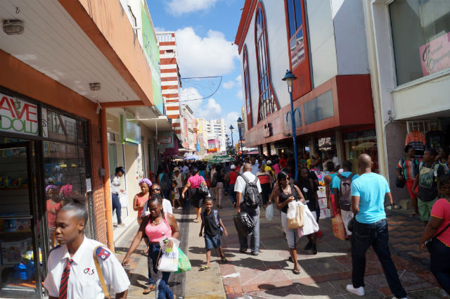 Bathing in Barbados - Shopping in Bridgetown