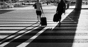 5 Tips to Make You a Better Weekend Traveler - Girls walking at airport