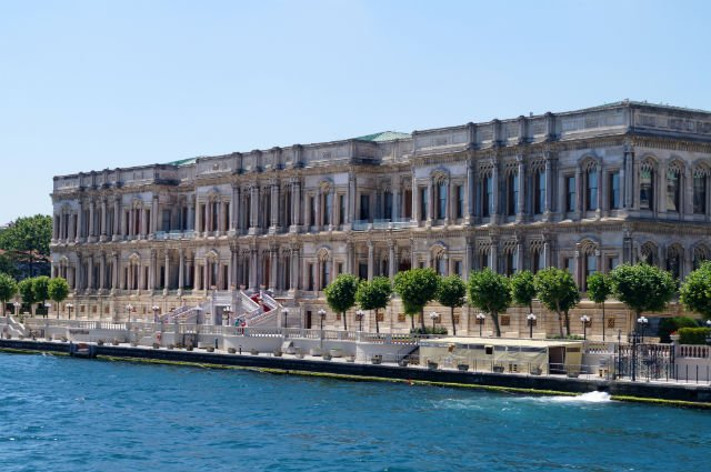 My Tips for Istanbul Turkey - Dolmabahçe Palace