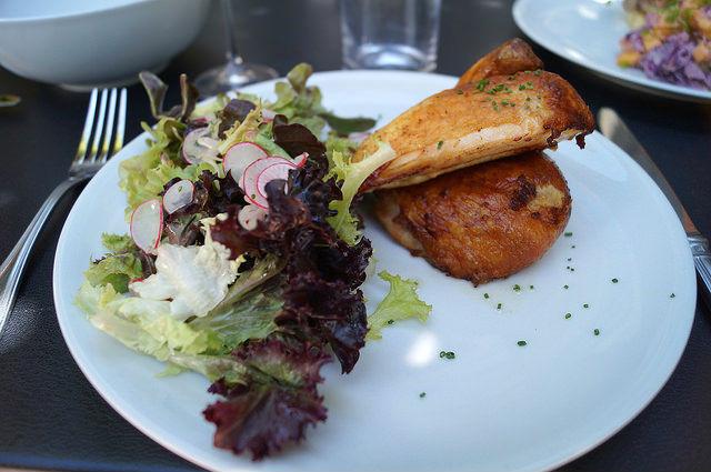 Napa Valley - Chicken with salad at Evangeline