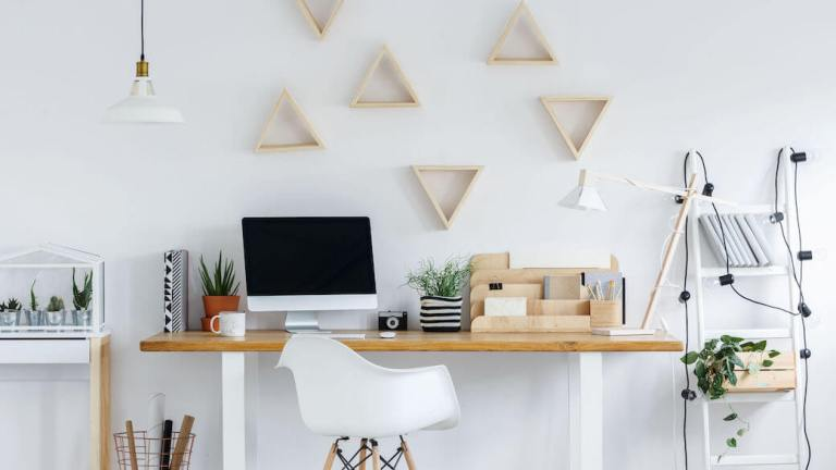 4 Home Office Tips to Spruce Up Your Look