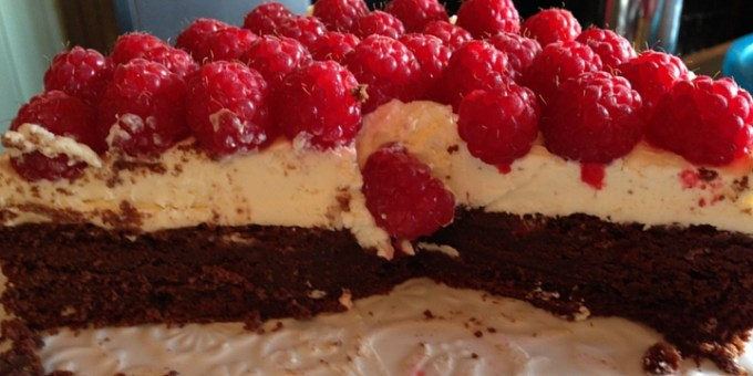 Brownie based cheesecake