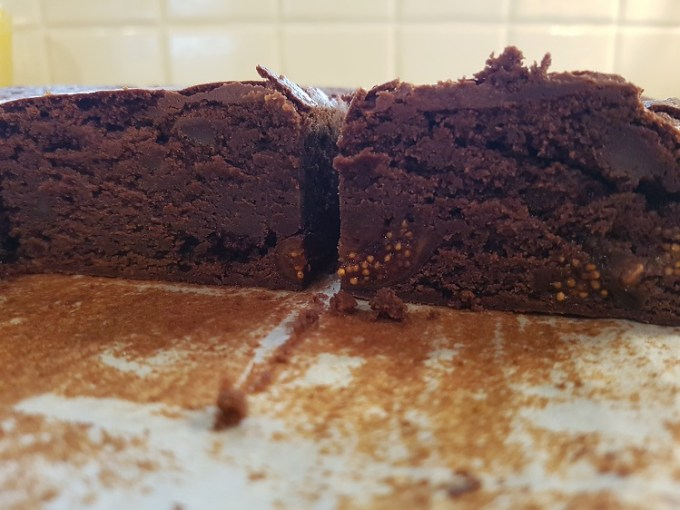 shot of Spiced fig brownie / She-Eats