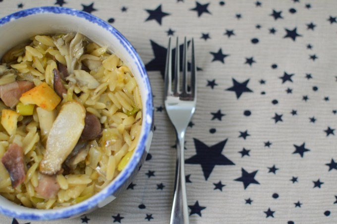 Close up of pasta with mushroom on top / Smoky bacon and mushroom orzo risotto orzotto with Germanto / She-Eats.Com