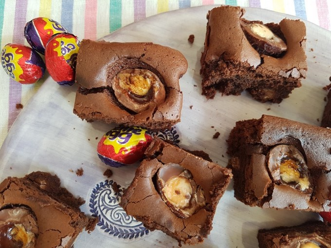 creme egg brownies on plate / she-eats.com
