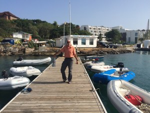 first action - clearing in - and the sailor friendly dinghi pontoon of the Prickly Bay Marina makes us feel welcome right away ;-)