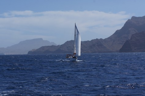 Sao Vincente island behind us, and a yacht that was quite a lot faster and didn't worry about the gusts that generally blow in the channel between Sao Vincente and Santo Antao...