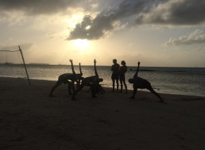 Yoga on the beach in Yansaladup - what a beautiful way to finish a day with frinds on the beach ;-)