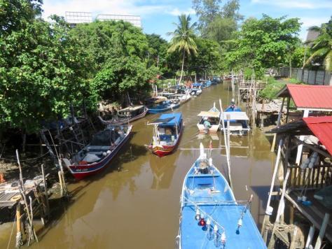 Fischerboote in Cenang