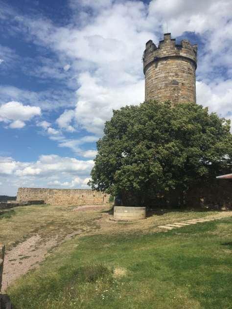 Turm der Mühlburg (Drei Gleichen) gilt als ältestes erhaltenes Bauwerk in Thüringen