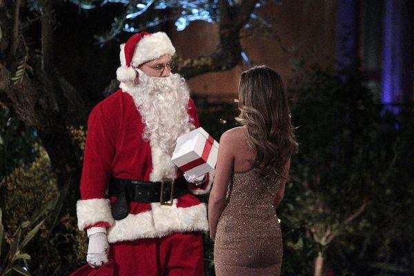 JoJo meets Santa
