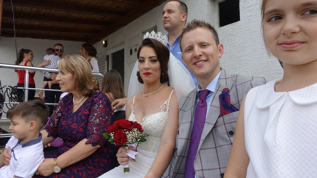 Zu Gast an einer Hochzeit im Kosovo: Im Bild das Brautpaar Besnik und Albenita Gashi.