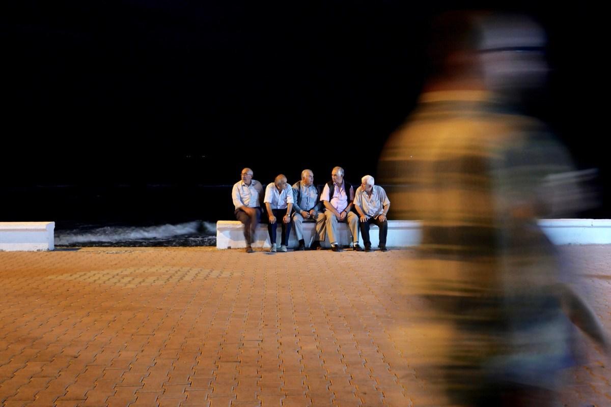 Die Rentner: Sie sind zahlreich in den Kleinstädten entlang der Küste vom Schwarzen Meer – und geschätzt jeder zehnte von ihnen ist ein Rückkehrer aus Deutschland. (Bild: Martin Bichsel)