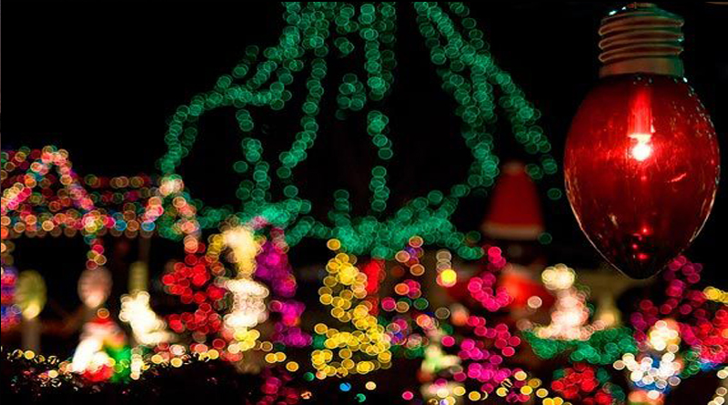 CHRISTMAS LIGHT PHOTOGRAPHY TIPS