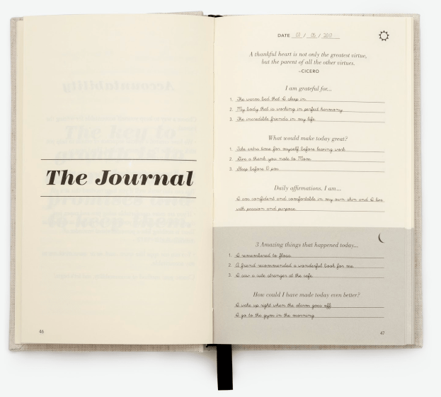 The inside of the Five Minute Journal