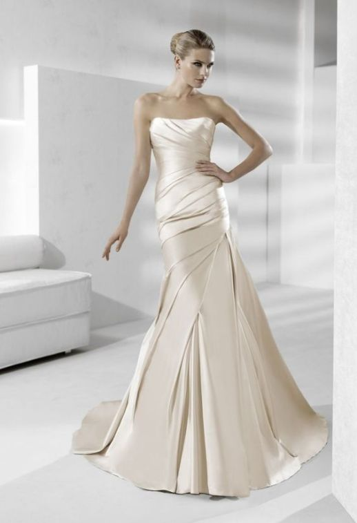 Which wedding dress colour will suit your skin tone? | Sheer Ever After weddings | bity.ly/Sheereverafter