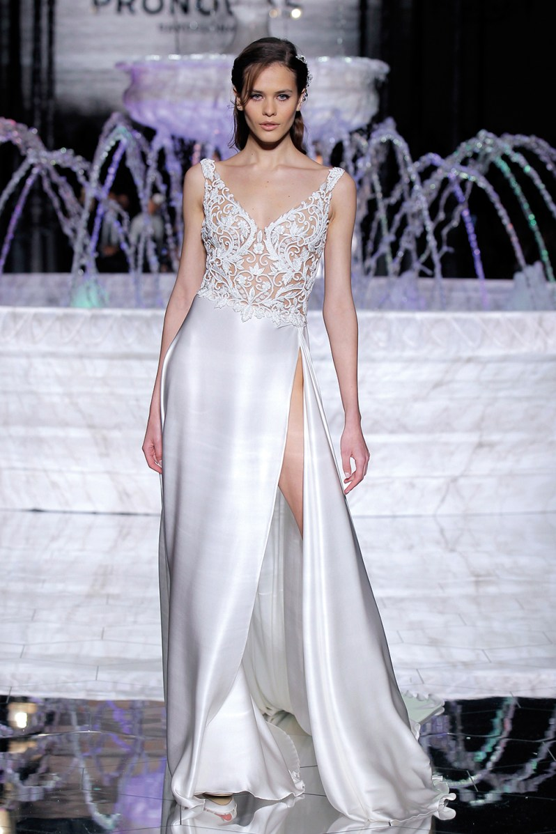PRONOVIAS-FASHION-SHOW_Rosales