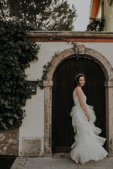 dreamy-pastel-italy-wedding-at-paolo-bonomelli-boutique-olive-farm-linda-lauva-photography-27-700x1050