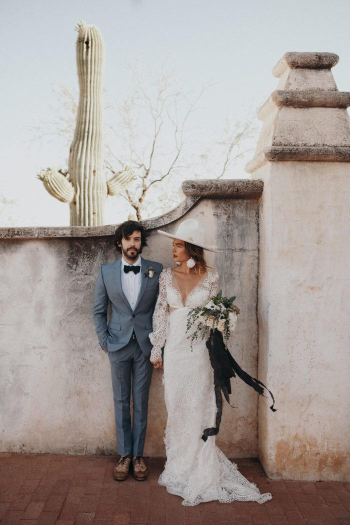 this-wedding-inspiration-at-san-xavier-del-bac-is-the-epitome-of-southwestern-chic-4-700x1050