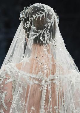 Celestial Wedding Trend // Wedding Inspiration // SHEER EVER AFTER WEDDINGS bit.ly/Sheereverafter