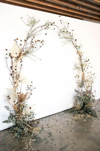 https://ruffledblog.com/wild-wispy-overgrown-wedding-flowers/