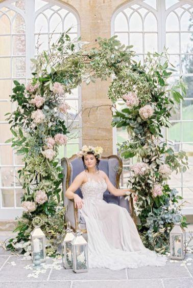 http://whimsicalwonderlandweddings.com/ethereal-soft-fine-art-wedding-ideas.html