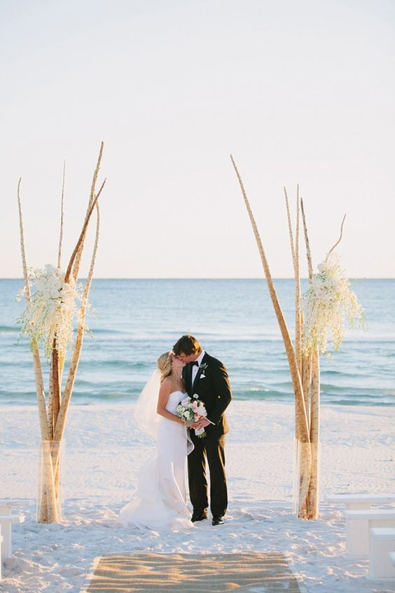 https://www.tidewaterandtulle.com/2018/03/unique-beach-wedding-ceremony-arch-ideas.html?m=1
