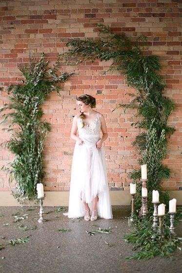 http://www.crazyforus.com/articles/15-gorgeous-indoor-wedding-backdrops-try/